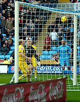 Photo: Ed Godden.<br />Coventry City v Sheffield Wednesday. Coca Cola Championship. 18/11/2006. Leon McKenzie scores for Coventry.