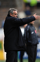 Photo: Paul Greenwood.<br />Burnley FC v Cardiff City. Coca Cola Championship. 09/04/2007.<br />Cardiff manager Dave Jones issues the orders to his team