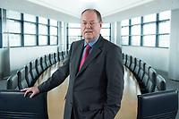 01 FEB 2013, BERLIN/GERMANY:<br /> Peer Steinbrueck, SPD Kanzlerkandidat und Bundesminsiter a.D., Sitzungssaal in der Spitze, 6. Stock, der ehem. Sitzungsaal für das SPD Praesdium, Willy-Brandt-Haus<br /> IMAGE: 20130201-01-008<br /> KEYWORDS: Peer Steinbrück
