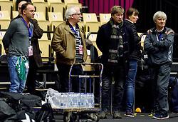 19-12-2015 DEN: World Championships Handball 2015 Training Oranje, Herning<br /> Na een rustige training werd er een persmoment gehouden / Media, Pers met Henk Stouwdam, John Volkers
