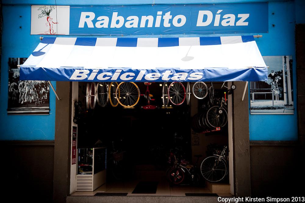 Rabanito Diaz Bike Shop in Puebla