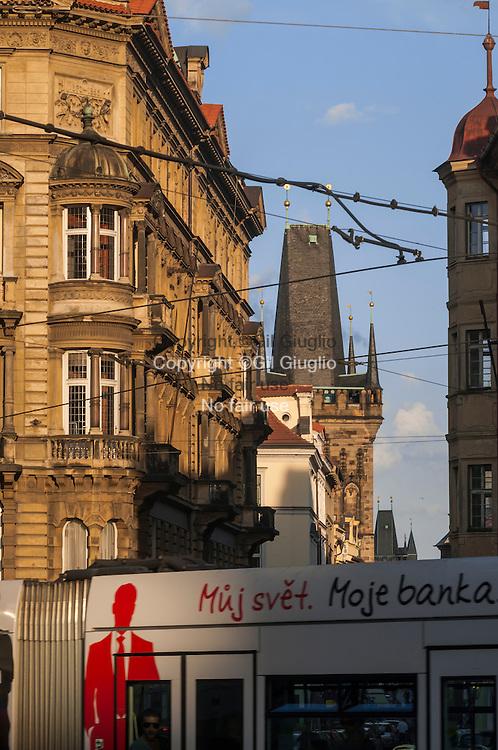 République Tchèque, Prague, Mala Strana, rue Mostecka depuis place église Saint Nicolas // Czech Republic, Prague Mala Strana, Mostecka street from Saint Nicolas church square