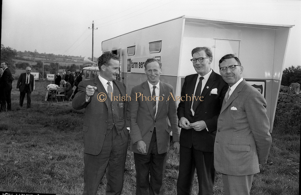 02/07/1963<br /> 07/02/1963<br /> 02 July 1963<br /> Macra na Feirme/Irish Shell and BP Ltd. Farm Tasks Competitions Connacht Finals at Strokestown, Co. Roscommon. The competition was won by a team from Strokestown Branch representing Roscommon. Photo shows (l-r): Mr J.M. Murphy, Sales Manager Irish Shell and BP Ltd.; Mr Vincent Cox, Roscommon County Secretary, Macra na Feirme; Mr Brendan Sheedy, Secretary Macra na Feirme and Mr A.W. Henderson, Sligo Branch Manager, Irish Shell and BP Ltd.