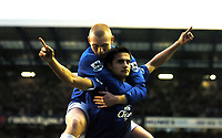 Fotball<br /> 4. runde FA-cup<br /> Everton v Sunderland<br /> 29. januar 2005<br /> Foto: Digitalsport<br /> NORWAY ONLY<br /> Tim Cahill celebrates scoring 3rd goal with team mate Nick Chadwick