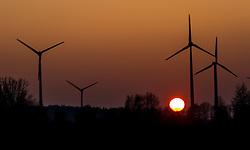 Windräder im Gegenlicht der untergehenden Sonne in einem Windpark in der Nähe von Herzsprung, Brandenburg, Deutschland am 15.02.2015 // Wind turbines backlit by the setting sun in a wind farm, Herzsprung, Brandenburg, Germany on 2015/02/15. EXPA Pictures © 2015, PhotoCredit: EXPA/ JFK