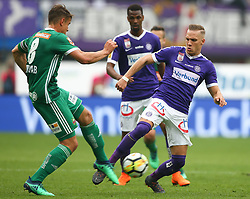 15.04.2018, Ernst Happel Stadion, Wien, AUT, 1. FBL, FK Austria Wien vs SK Rapid Wien, 30. Runde, im Bild Stefan Schwab (SK Rapid Wien) und Christoph Monschein (FK Austria Wien) // during Austrian Football Bundesliga Match, 30th Round, between FK Austria Vienna and SK Rapid Wien at the Ernst Happel Stadion, Vienna, Austria on 2018/04/15. EXPA Pictures © 2018, PhotoCredit: EXPA/ Thomas Haumer