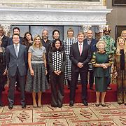 NLD/Amsterdam/20151202 - Koninklijke Familie bij uitreiking Prins Claus Prijs 2015, groepsfoto Koninklijke Familie en prijswinnaars