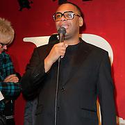 NLD/Amsterdam/20121121 - Presentatie deelnemers comedy avond Lulverhalen, howard Komproe