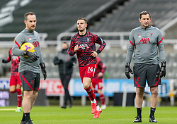 NEWCASTLE-UPON-TYNE, ENGLAND - Wednesday, December 30, 2020: Liverpool's captain Jordan Henderson during the pre-match warm-up before the FA Premier League match between Newcastle United FC and Liverpool FC at St. James' Park. The game ended in a goal-less draw. (Pic by David Rawcliffe/Propaganda)