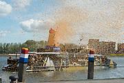 Koningsdag in Dordrecht / Kingsday in Dordrecht<br /> <br /> Op de foto / On the photo: Taxiboot
