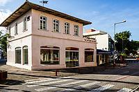 Casa no centro da cidade. Jaraguá do Sul, Santa Catarina, Brasil. / House in downtown. Jaragua do Sul, Santa Catarina, Brazil.