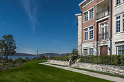 Tarrytown Townhouse on the Hudson River by Rodney Bedsole, an architecture photographer based in Nashville and New York City.