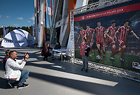 2016.07.23 Bialystok Pilka nozna Final FC Bayern Youth Cup 2018 na Stadionie Miejskim N/z pamiatkowe zdjecie przed plakatem promujacym impreze fot Michal Kosc / AGENCJA WSCHOD