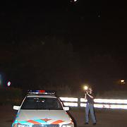 Zoekactie inbrekers Nieuw Blaricummerweg Huizen, zoeklicht helicopter KLPD