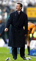 Photo: Scott Heavey.<br /> Wolverhampton Wanderers v Aston Villa. FA Barclaycard Premiership. 14/03/2004.<br /> David O'Leary barks orders