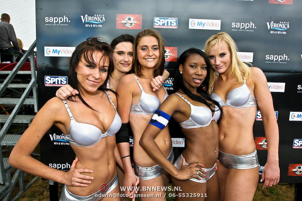 NLD/Amsterdam/20080518 - Opname strafschoppen EK Lingerie, team uit Frankrijk