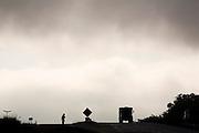 Sao Joaquim de Bicas_MG, Brasil...Silhueta de uma pessoa e um caminhao na rodovia Fernao Dias...The person and truck silhouette in the motorway Fernao Dias...Foto: LEO DRUMOND / NITRO