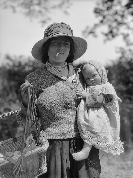 "Gypsies, ""King's Highway"", Kent, England, 1932"
