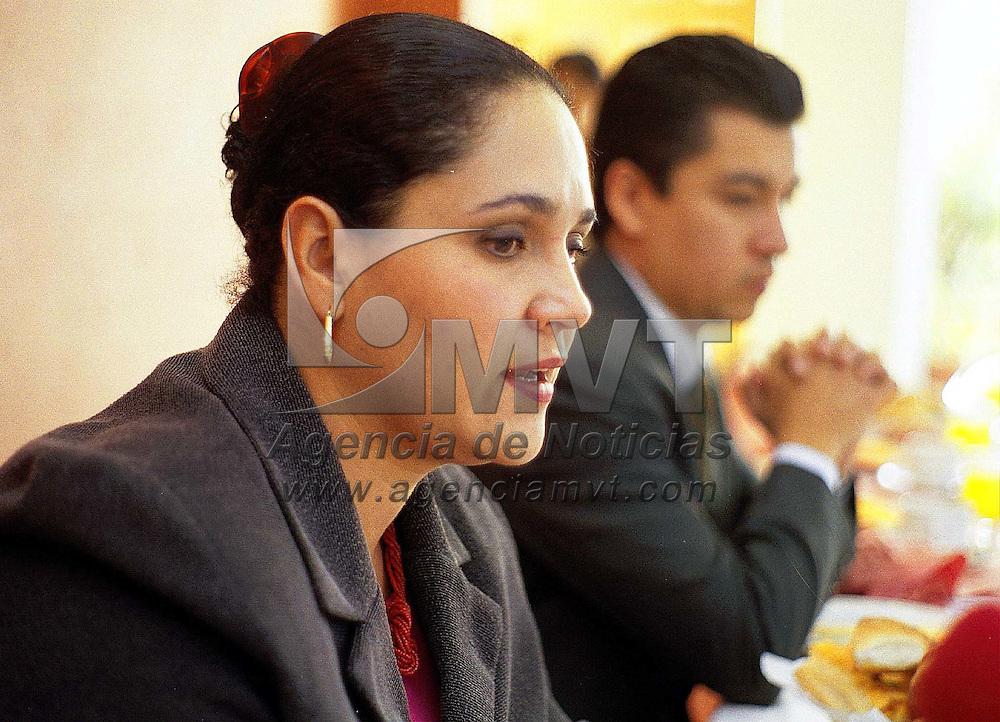 Toluca, Méx.- La dipuatada del PAN Selma Montenegro anuncio la Primera carrera de las Americas que se llevara a cabo el domingo 14 de octubre en Metepec. Agencia MVT / Mario B. Arciniega