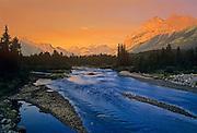 Kananaskis River and the Canadian Rockies<br /> Kananaskis Country<br /> Alberta<br /> Canada<br /> Kananaskis Country<br /> Alberta<br /> Canada