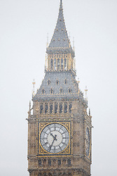 © Licensed to London News Pictures. 13/01/2017. London, UK. Ben Ben is seen whilst snowing in London on Friday, 13 January 2017. Photo credit: Tolga Akmen/LNP