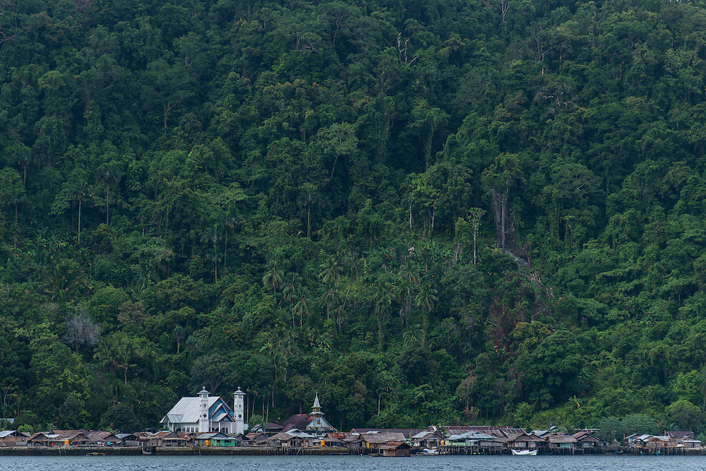 Local Papuan village<br /> Cenderawasih Bay<br /> West Papua<br /> Indonesia