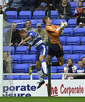 © Peter Spurrier/Sportsbeat Images <br />04/10/2003 - Photo  Peter Spurrier<br />2003/04 Nationwide Football Div 1 Reading Town FC v Bradford City FC.<br />Reading's Steve Sidewell looses the the ball to Bardfors'd keeper Mark Paston