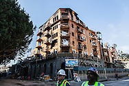 The DaVinci Apartment complex, a seven-story apartment building under construction in downtown Los Angeles was destroyed today by a huge fire that damaged several<br /> three high-rise buildings and prompted hours-long freeway closures that affected scores of commuters. Arson investigators are investigating the cause of the fire.