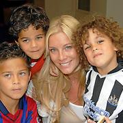 NLD/Amsterdam/20060529 - Boekpresentatie autobiografie van Patrick Kluivert, ex vrouw Angela Kluivert, zoon Justin, Quincy en Ruben