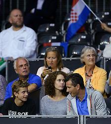 13-09-2014 NED: Davis Cup Nederland - Kroatie, Amsterdam<br /> Nederland verliest de dubbel en staat op de tweede dag met 2-1 achter / Alec, Emma en Richard Krajicek