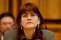 22.01.1999, Deutschland/Bonn:<br /> Edelgard Bulmahn, SPD, Bundesbildungsministerin, während einer Pressekonferenz vor der Bundes-Pressekonferenz, Bonn<br /> IMAGE: 19990122-03/01-31