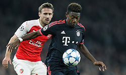 20.10.2015, Emirates Stadium, London, ENG, UEFA CL, FC Arsenal vs FC Bayern Muenchen, Gruppe F, im Bild am Ball David Alaba #27 (FC Bayern Muenchen) // during UEFA Champions League group F match between Arsenal FC and FC Bayern Munich at the Emirates Stadium in London, Great Britain on 2015/10/20. EXPA Pictures © 2015, PhotoCredit: EXPA/ Eibner-Pressefoto/ Kolbert<br /> <br /> *****ATTENTION - OUT of GER*****