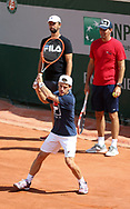 Diego Schwartzman of Argentina and his staff during practice ahead of the French Open 2021, a Grand Slam tennis tournament at Roland-Garros stadium on May 29, 2021 in Paris, France - Photo Jean Catuffe / ProSportsImages / DPPI