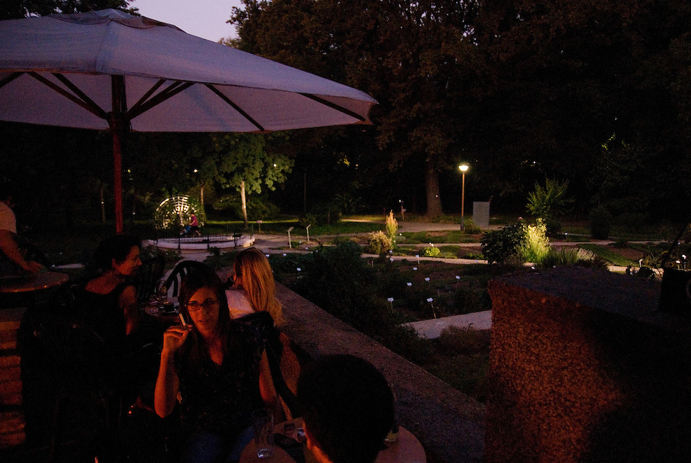 Alternative bar Idiot overlooking the Belgrade Botanical Gardens.