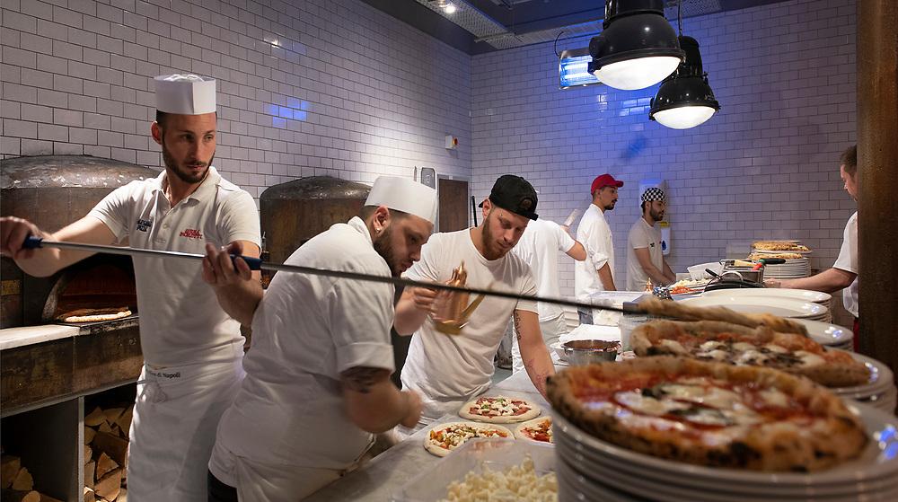 INTERIOR VIEW - PAESANO PIZZA - MILLER STREET GLASGOW