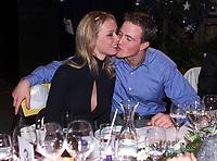 Motor: 08.12.2001 Ellmau, Østerreich, <br />Formel-1 Pilot Ralf Schumacher und Ehefrau Cora am Samstag (08.12.2001) bei einer Abendveranstaltung nach einem PR-Termin des Formel-1 Team BMW-Williams am Wilden Kaiser im Brixental. <br /><br />Foto: Digitalsport