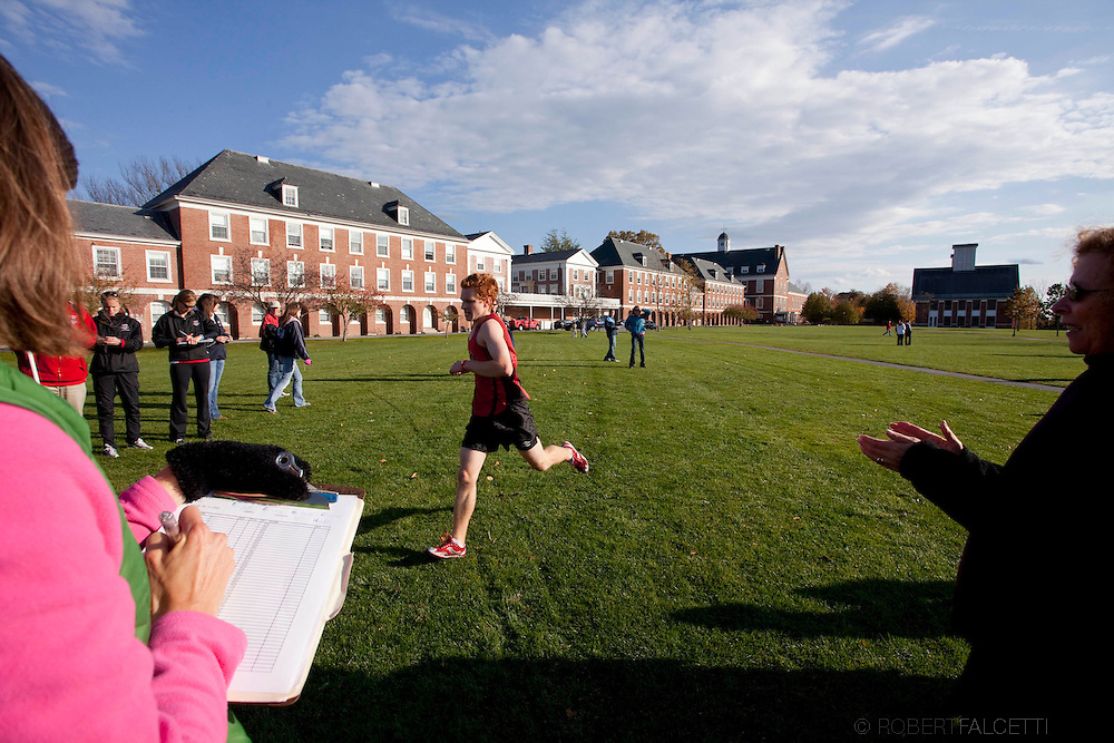 The Pomfret School, Pomfret, CT. 2010-2011. Cross Country. Students enjoy a fall afternoon of athletics on the campus of the Pomfret School.  (Photo by Robert Falcetti).Admissions marketing & communications photography.  ... .