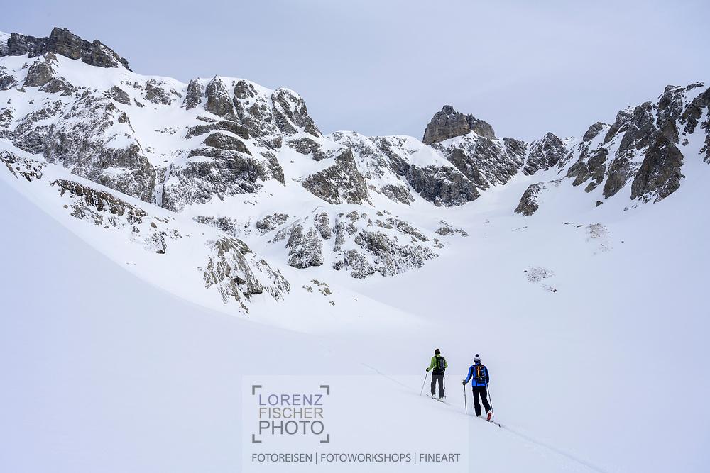 In the areae of Juzfad with the mount Zwächten in sight on a ski tour from the Meiental on mount Zwächten with a descent to the Erstfeld valley, Uri, Switzerland<br /> <br /> Skitour vom Meiental auf den Zwächten mit Abfahrt ins Erstfelder Tal, Uri, Schweiz
