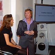 Bekendmaking winnaar Max Factor Sexy Lips 2004, viagist Bridget Jones Diary, Graham Johnston