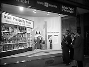 "14/11/1966<br /> 11/14/1966<br /> 14 November 1966<br /> Food Fortnight window display at N.A.I.D.A., St. Stephen's Green, Dublin.  Display announcing the ""Irish Food Fortnight"" (Nov. 7-19) opened. Window ""depicts the importance to the housewife in her selection of food products of Irish manufacture, so that capital remains in the country's industry"". The display was constructed by Modern Display Artists. Picture shows (l-r): Mr. Gerard Duffy, (Vice Chairman, R.G.D.A.T.A.); Miss Nuala Perry, Honorary Secretary, Food Fortnight Committee and Mr. Brian Doyle, (Chairman) viewing the display."