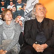 NLD/Amsterdam/20161007 - Presentatie biografie over het leven van oud voetballer Johan Cruijff, dochter Susila, schrijver Jaap de Groot