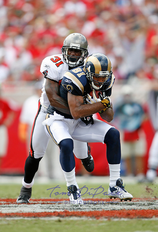 St.Louis Rams Torry Holt plays in a game against the Tampa Bay Buccaneers.<br /> (Tom DiPace)