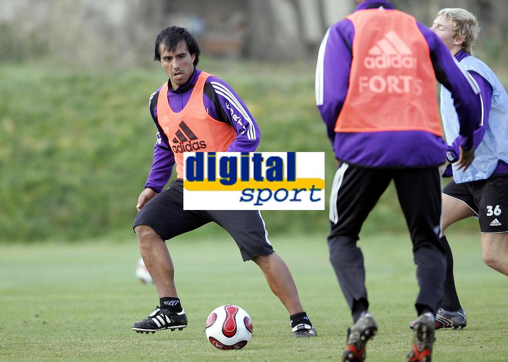 Fotball / Football<br /> Belgia / Belgium<br /> Anderlecht training at La Manga - Spain<br /> 04.01.2007<br /> Photo: Morten Olsen, Digitalsport<br /> <br /> Christian Leiva