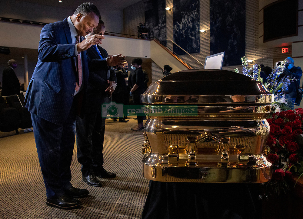 Jesse Jackson stands at the casket before a memorial service for George Floyd at North Central University in Minneapolis on Wenesday, June 4, 2020. Photo by Carlos Gonzalez/Minneapolis Star Tribune/TNS/ABACAPRESS.COM