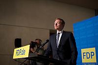 DEU, Deutschland, Germany, Berlin, 23.09.2013:<br /> Christian Lindner (FDP), Vorsitzender des Landesverbandes und der Landtagsfraktion der FDP in Nordrhein-Westfalen, bei einer Pressekonferenz im Deutschen Bundestag. Die FDP ist am Vorabend bei der Bundestagswahl an der 5-Prozent-HuÃàrde gescheitert und wird im neuen Bundestag nicht mehr vertreten sein.