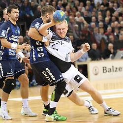 Flensburg, 08.02.17, Sport, Handball, DKB Handball Bundesliga, Saison 2016/2017, SG Flensburg-Handewitt - THW Kiel : Patrick Wiencek (THW Kiel, #17), Jacob Heinl (SG Flensburg-Handewitt, #21) beim Spiel in der Handball Bundesliga, SG Flensburg-Handewitt - THW Kiel.<br /> <br /> Foto © PIX-Sportfotos *** Foto ist honorarpflichtig! *** Auf Anfrage in hoeherer Qualitaet/Aufloesung. Belegexemplar erbeten. Veroeffentlichung ausschliesslich fuer journalistisch-publizistische Zwecke. For editorial use only.