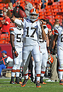 KANSAS CITY, MO - OCTOBER 27:  Quarterback Jason Campbell #17 of the Cleveland Browns warms up before a game against the Kansas City Chiefs on October 27, 2013 at Arrowhead Stadium in Kansas City, Missouri.  (Photo by Peter G. Aiken/Getty Images) *** Local Caption *** Brandon Weeden