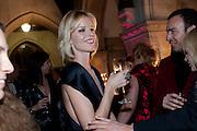 ALEXIS ROCHE; EVA HERZIGOVA, British Fashion awards 2009. Supported by Swarovski. Celebrating 25 Years of British Fashion. Royal Courts of Justice. London. 9 December 2009