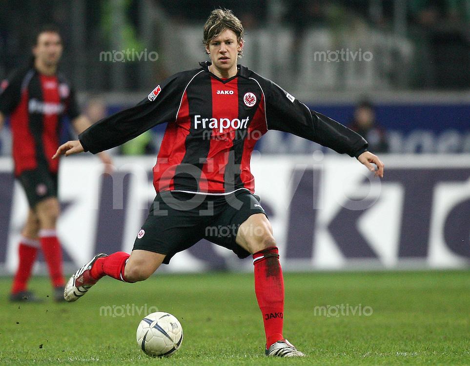 Fussball  1. Bundesliga  Saison 2006/2007 Marco RUSS (Eintracht Frankfurt), Einzelaktion am Ball