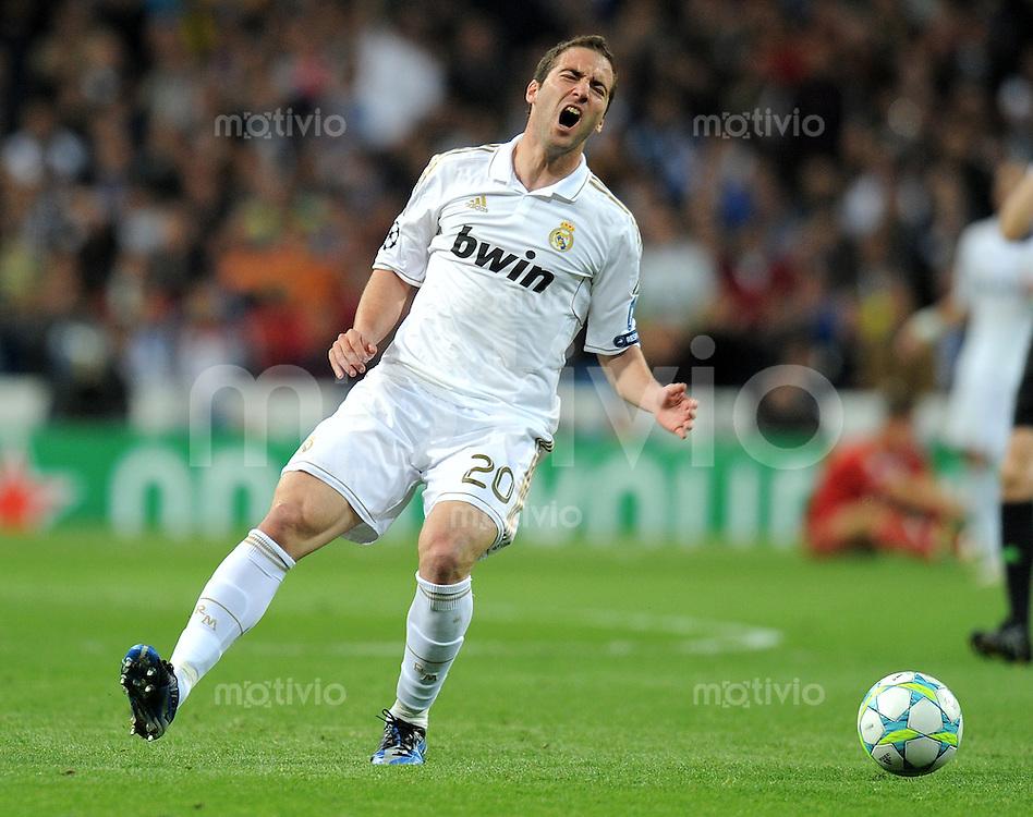FUSSBALL   CHAMPIONS LEAGUE SAISON 2011/2012  HALBFINALE  RUECKSPIEL      Real Madrid - FC Bayern Muenchen           25.04.2012 Gonzalo Higuain (Real Madrid)